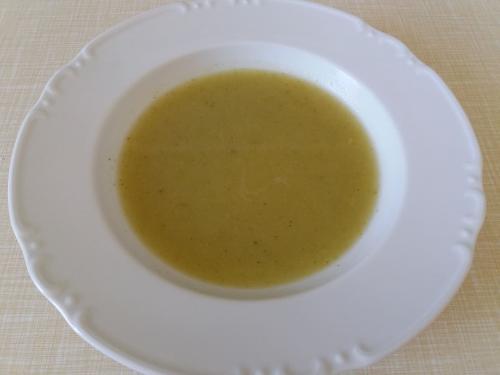 Polévka brokolicová