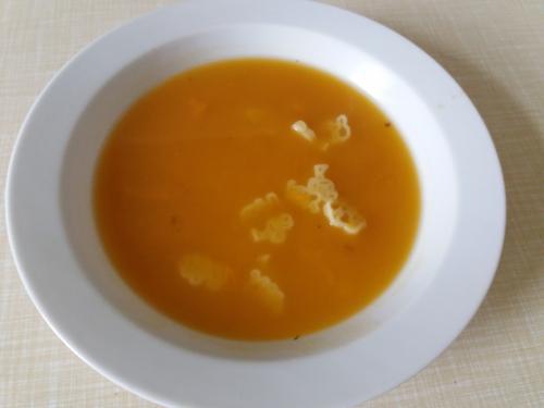 Polévka batátová sezavářkou