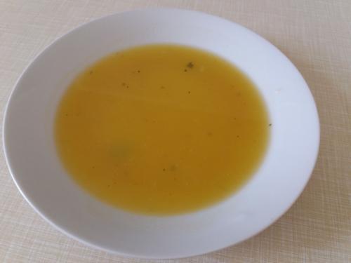 Polévka cuketová sčervenou čočkou