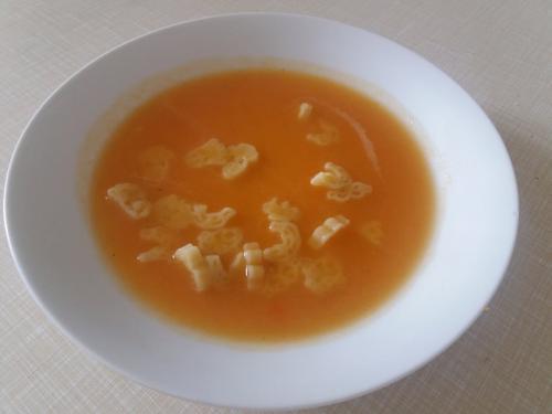 Polévka mrkvová sezavářkou